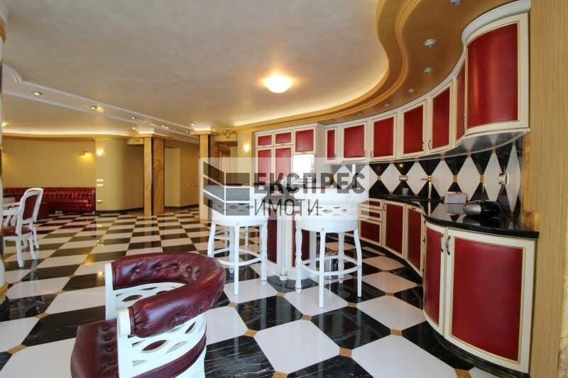 Обзаведен, луксозен, Многостаен апартамент