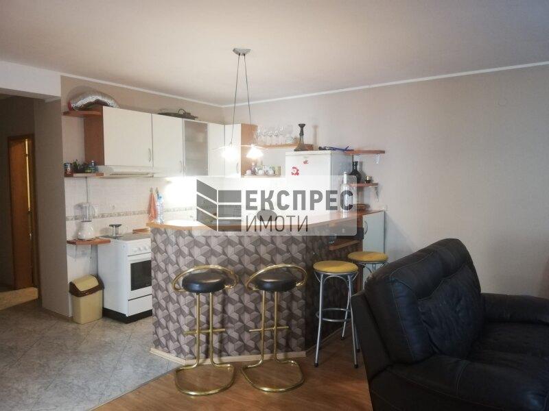 Нов, обзаведен Тристаен апартамент, Стрелбище